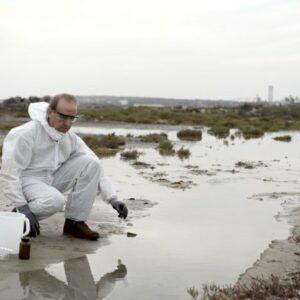Meerdere bronpercelen van verontreiniging; wie betaalt de kosten van sanering?
